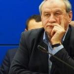 """VIDEO fabulos: Dorin Popescu, făcut de mândra minune: liberalii îl iau la mișto și îl strigă """"Papaiani"""" – porecla sa de turnător!"""