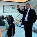 VIDEO: Au băut coniac de fițe și s-au urcat la volan! DOVADA clară că primarul Crețu și viceprimarul Avram conduc sub influența băuturilor alcoolice! Ar trebui să intervină Poliția Rutieră?