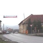 """VIDEO: """"Mocicoșag"""" pe drumurile de județ. Bine că aveți bannere de propagandă!"""