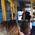 Iarăși ne ABUREȘTE cu linii verzi pe pereți! Primarul Crețu s-a dat cu autobuzul electric și a zis că PROBABIL Bistrița va avea așa ceva! După anul 2020!
