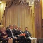 VIDEO: Profesorașul Dobra, discurs penibil lăudat de Ioan Oltean!