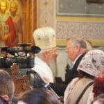 VIDEO: Mitropolitul Andrei a slujit la Bistrița a 2-a zi de Paști! Politicienii, hop și ei la Biserică!