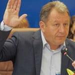 VIDEO: Radu Moldovan DEFILEAZĂ ca președinte al Consiliului Județean! Pugna și Țintean – vicepreședinți. De bucurie au băut șampanie pe holuri și au dat flori, doamnelor!
