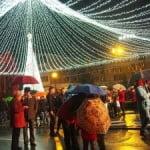 Primăria a cumpărat beculețe de Crăciun de 100.000 de euro! Pentru cartierele lăsate în beznă NU sunt bani!