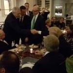 """Cina """"cea de poză"""": Liviu Dragnea – Donald Trump, întâlnire pe repede-înainte cu lume-buluc! Doina Pană bagă propaganda: """"Un moment """"zero"""", foarte important pentru România!!! Pentru o Românie respectată!"""""""