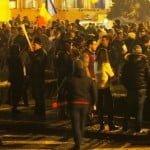 NU se dau învinși! La Bistrița, peste 4.000 de oameni au strigat anti-PSD și au făcut un marș de amploare, ca la Revoluție!