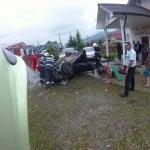 Accident GRAV în Tureac, la 2 pași de sala Regatului Martorilor lui Iehova! 2 tineri au murit după ce s-au răsturnat cu mașina și au aterizat în curtea casei de rugăciune!