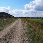 Când ar putea fi asfaltată strada Valea Ghinzii? Investiția e prinsă în proiectul prin care se intenționează amenajarea drumului spre Wonderland