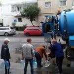 Apă potabilă din cisternă pentru bistrițenii afectați de defecțiunea de pe strada Sucevei