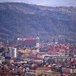 Cu cât se vând garsonierele și apartamentele în Bistrița? Vezi prețul mediu pe metru pătrat!
