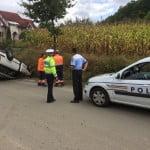 FOTO: S-a răsturnat cu mașina pe Valea Ghinzii!