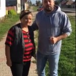 VIDEO: Deputatul Ionuț Simionca a renunțat la costum pentru a își ajuta semenii. Reface acoperișul unei case din Viișoara afectat de furtună