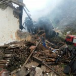 FOTO: Puternic incendiu la o casă din localitatea Rodna