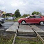 Soluție pentru TRAFICUL INFERNAL! Primăria preia în administrare un tronson al DN 17C pentru a moderniza trecerea la nivel cu calea ferată!