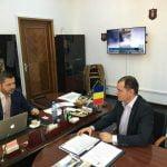 FOTO: Prefectul Ovidiu Frenț, la discuții cu secretarul de stat în MAI. Ce proiecte au dezbătut?