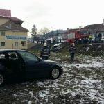 FOTO: Două femei au avut nevoie de îngrijiri medicale în urma unui accident rutier petrecut în Josenii Bârgăului