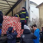 """FOTO: Peste 10.000 de copilași din județ primesc cadouri în cadrul acțiunii """"Camionul de Crăciun"""""""