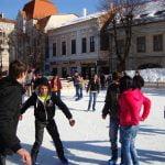 La iarnă, în parcarea din fața Palatului Culturii din Bistrița ar putea fi amenajat un patinoar