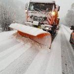 Deși în Bistrița-Năsăud ninge, licitația pentru deszăpezirea drumurilor județene NU s-a încheiat. Totuși, cine intervine pe cei aproximativ 600 de kilometri?