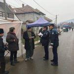 FOTO/VIDEO: Polițiștii, în mijlocul cetățenilor cu sfaturi utile privind prevenirea furturilor