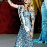 Creații ale designerului Tina Olari, inclusiv rochia purtată de Miss World, vor putea fi admirate la Bistrița