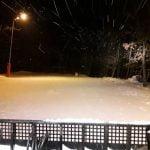 FOTO: Pârtia de schi Cocoș se deschide mâine, la ora 14:00. Se va da drumul la instalația de nocturnă