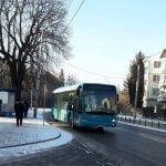 Nu uitați! La Pârtia de schi Cocoș se poate ajunge și cu autobuzul!