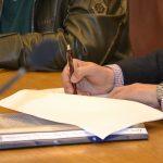 FOTO: Contractul pentru Lotul 5 din drumul Poarta Transilvaniei, semnat. Încă 18 km de drum vor fi modernizați cu aproximativ 8 milioane de euro