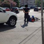 FOTO: Biciclist accidentat de un autoturism în zona sensului giratoriu de la Han