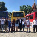 FOTO: Caravana Unirii a început turul României. Se adună semnături pentru unirea cu Basarabia