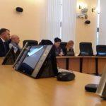 Sistemul de vot a costat 165.000 de euro NU funcționează cum trebuie! Ce face Primăria: dă un contract de 5.000 de euro/an pentru întreținerea echipamentului!