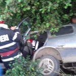 Bistrița Bîrgăului: O mașină a căzut într-un pârâu. Două victime, dintre care una încarcerată