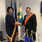 Nicolae Moldovan a semnat UNIREA simbolică dintre Beclean și Glodeni ( oraș Republica Moldova)!