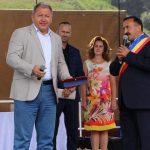 Încă unu' care striga că PNL e partidul primarilor se face de cacao!Lupșan primarul din Lunca Ilvei l-a făcut cetățean de onoare pe șeful PSD, Radu Moldovan!