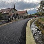 FOTO: Lucrările de asfaltare din comuna Prundu Bîrgăului, pe ultima sută de metri!