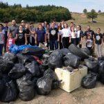 """Echipa deputatului Ionuț Simionca, în acțiune de ecologizare pe Dealul Sigmirului: """"Pungile de plastic îmbolnăvesc Pământul"""""""