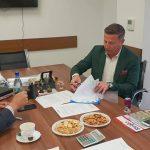 S-a semnat contractul pentru proiectul care prevede amenajarea unui spațiu turistic la standarde europene la Sîngeorz-Băi. 4,6 milioane de euro vor ajunge în orașul-stațiune
