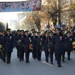 FOTO/VIDEO: Paradă spectaculoasă de 1 Decembrie, la Bistrița. Cetățenii, în număr foarte mare la eveniment